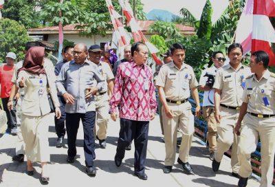 Kepala BKKBN Pusat saat mengunjungi Kampung KB di Kelurahan Gogagoman Kota Kotamobagu