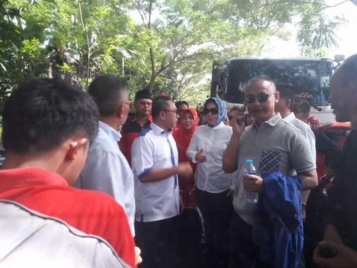 Petinggi PAN dan PDIP Rela Jalan Kaki Hadiri Kampanye Yasti-Yanni