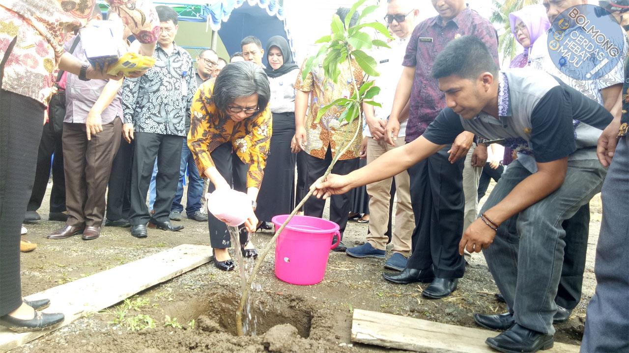 Resmikan Kantor Dinas Kominfo Bolmong, Bupati Ikut Lakukan Penanaman Pohon
