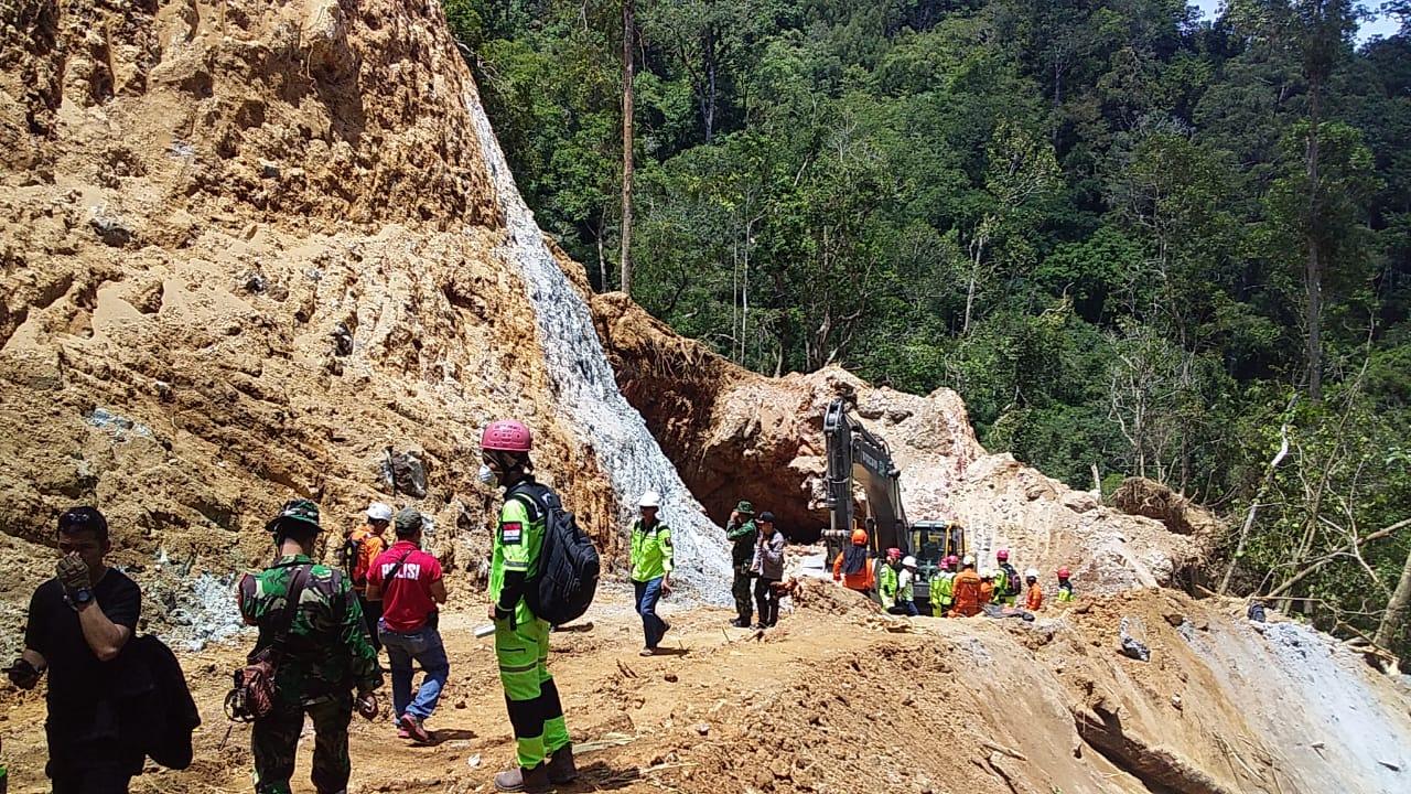 Kontur Tanah Labil, Evakuasi Sisa Korban Longsor Tambang Bakan Belum Bisa Dilakukan