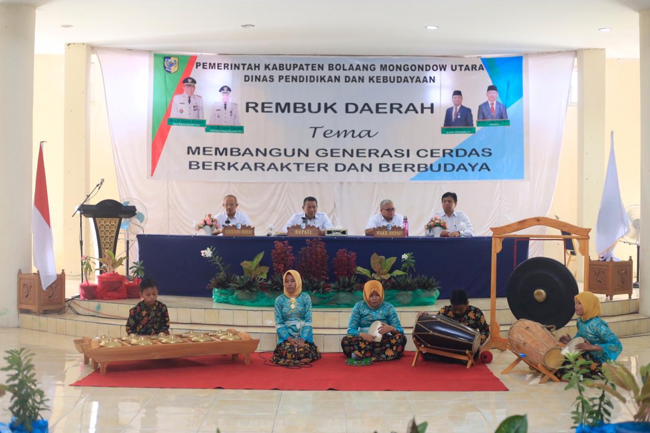 Bupati Bolmut Buka Rembuk Daerah Pendidikan dan Kebudayaan