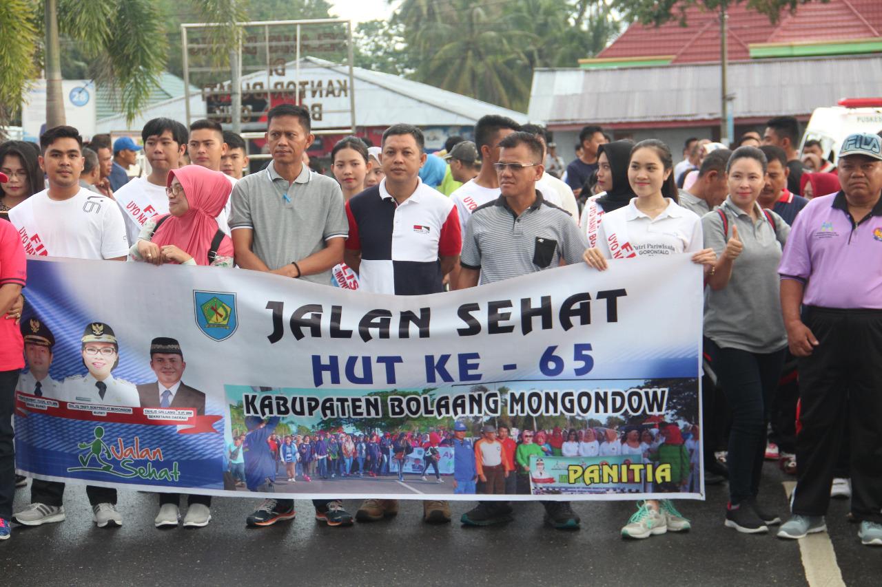 Kegiatan Jalan Sehat Digelar Dalam Rangka Peringatan HUT Bolmong ke 65