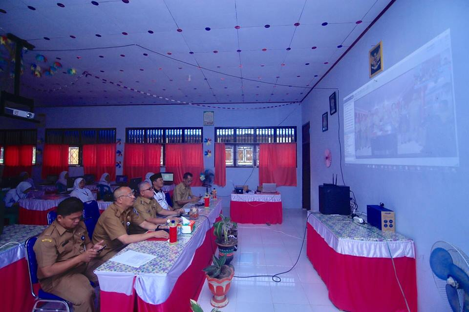 Wabup Bolmut Laporkan Pelaksanaan UNBK Hari Pertama ke Wakil Gubernur Sulut