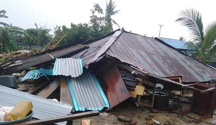 Dihantam Puting Beliung, Sejumlah Rumah Warga di Dumoga Nyaris Rata Tanah
