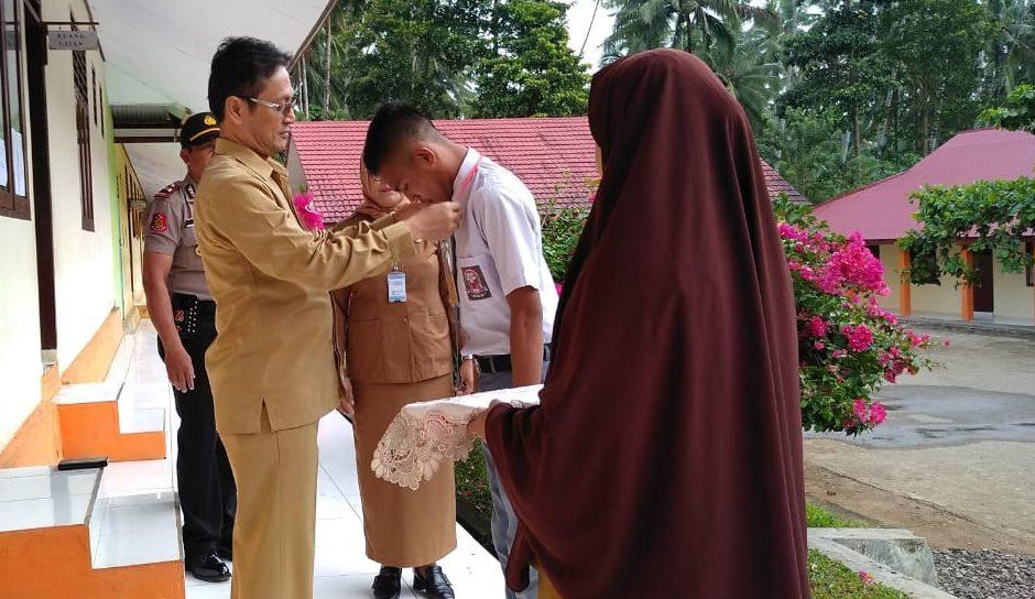 Tinjau UNBK, Wakil Bupati Yakin Siswa di Bolmong Lulus 100 Persen