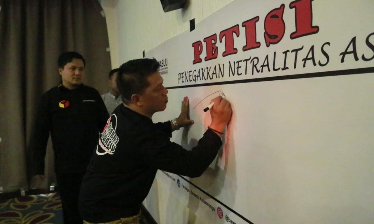 Wawali Kotamobagu Tanda Tangani Petisi Penegakan Netralitas ASN