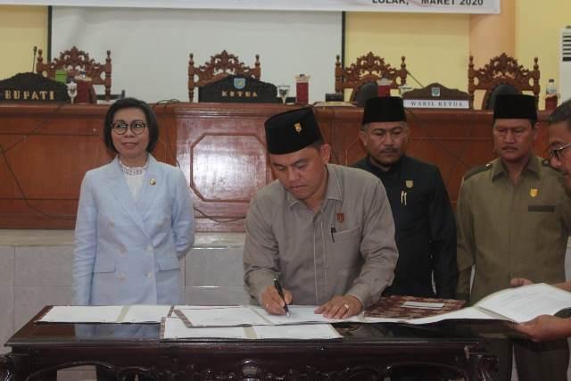 DPRD Bolmong Gelar Paripurna Penetapan Dua Ranperda