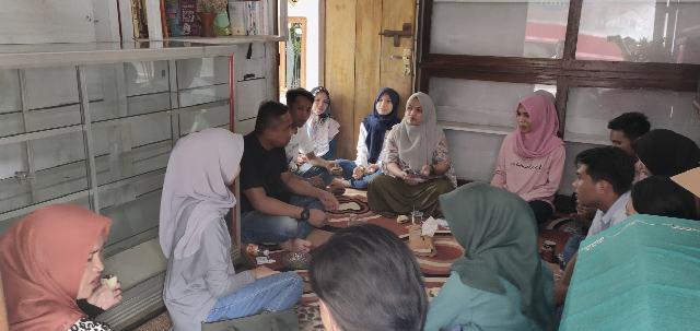 Kembangkan Literasi, Sekelompok Pemuda Komangaan Mendirikan TBM Tadohe