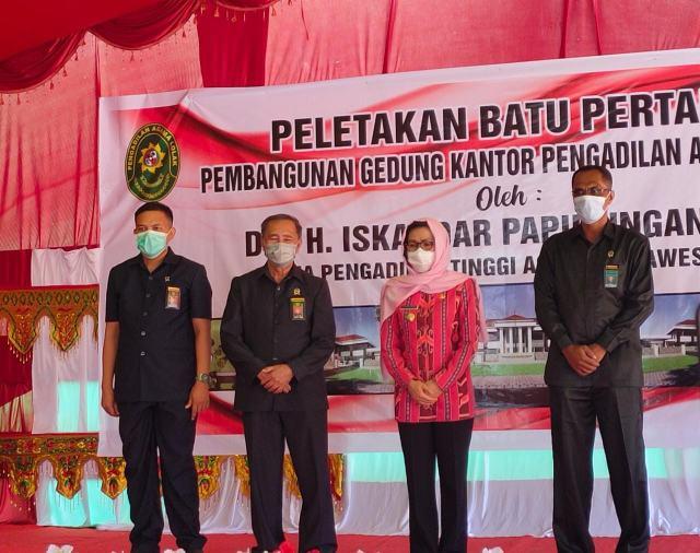Yasti Letakkan Batu Pertama Pembangunan Kantor Pengadilan Agama Lolak