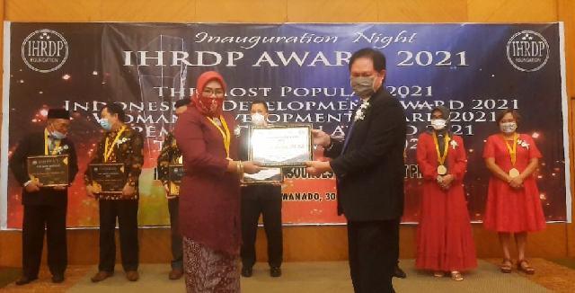 Lagi, Farida Raih Penghargaan Dari IHRDP
