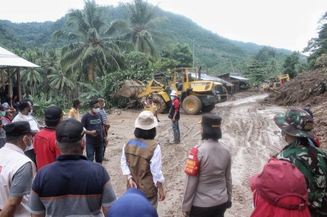 Yasti Turun Langsung Meninjau Lokasi Bencana