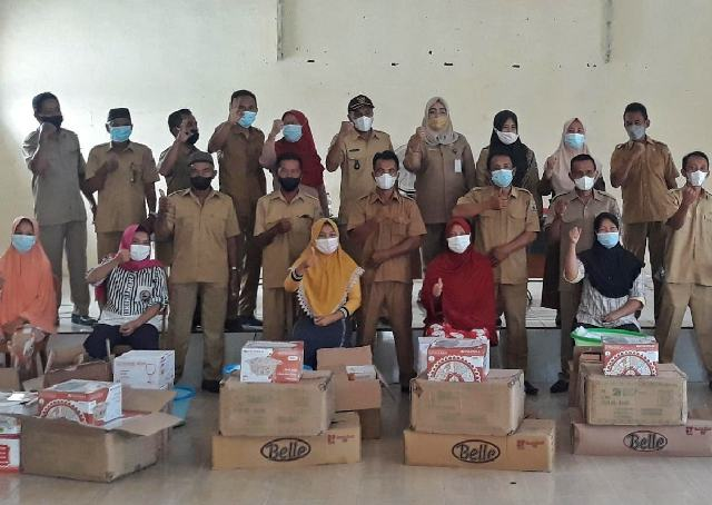 Kelompok Perempuan Tanoyan Selatan Terima Bantuan Alat Catering