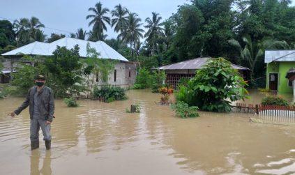 Curah Hujan Tinggi Sebabkan 7 Desa Terendam Banjir dan Jalan Penghubung Amblas di Wilayah Dumoga