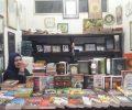Warga Gogagoman Ini Pilih Jual Aksesories dan Buku Religi di Kiosnya