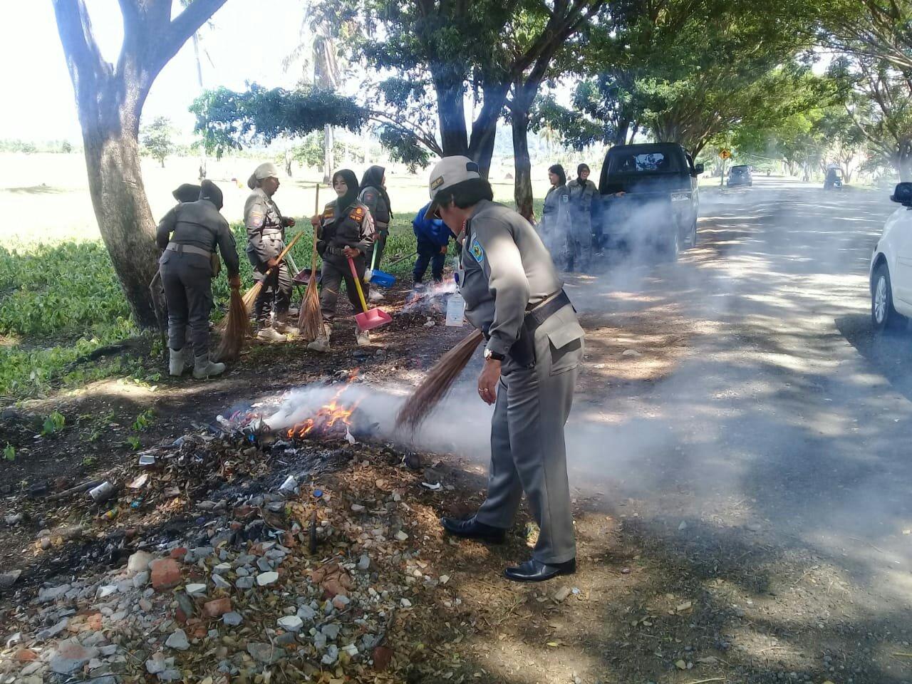Mr X Sebarkan Sampah di Kompleks Kantor Bupati Bolmong